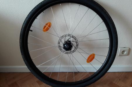 """Roue avant 28"""" pour vélo tout chemin"""