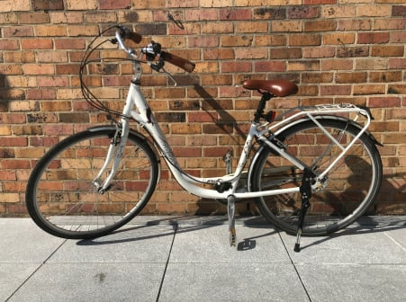 Vélo Raleigh blanc