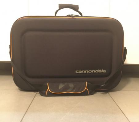 Cannondale reiskoffer met inhoud