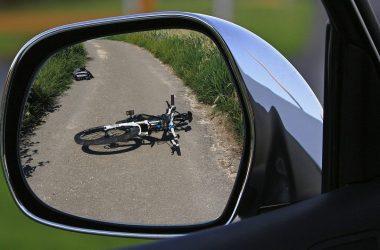 Qui paye en cas d'accident avec un cycliste en tort ?