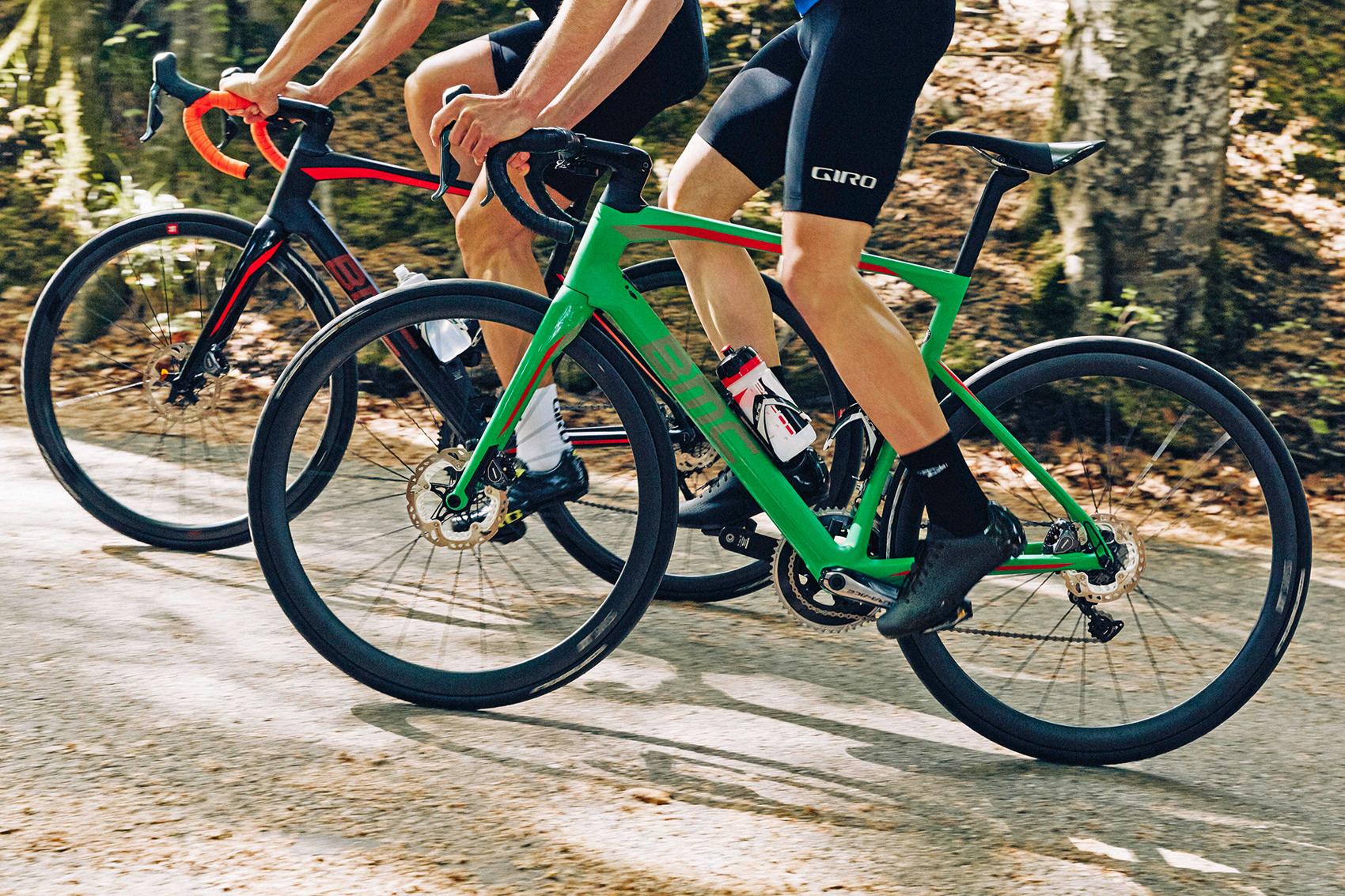 BMC-Roadmachine_carbon-all-road-endurance-race-bike_two-climbing